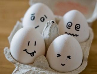 20120419000709-huevos-con-cara.jpg